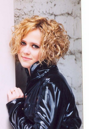 Aimee (Tori's sister) - 2a, Blonde, Wavy hair, Short hair styles, Readers, Female Hairstyle Picture