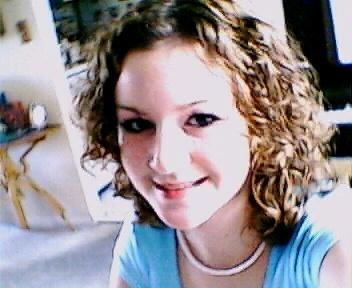 Laura - Blonde, 2b, Wavy hair, Medium hair styles, Readers, Female Hairstyle Picture