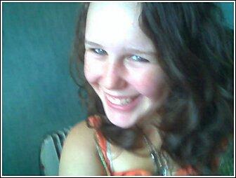 Leah - Brunette, 2b, Wavy hair, Medium hair styles, Readers, Teen hair Hairstyle Picture
