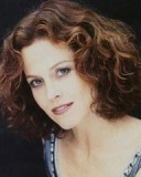 Sigourney Weaver - Brunette, 2b, Celebrities, Wavy hair, Short hair styles, Female Hairstyle Picture