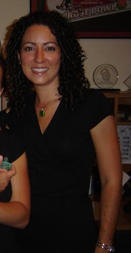 Laura - Brunette, 3c, Medium hair styles, Readers, Female, Curly hair Hairstyle Picture