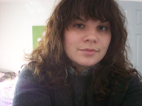 Katie - Brunette, 2b, Medium hair styles, Readers, Curly hair, Teen hair Hairstyle Picture