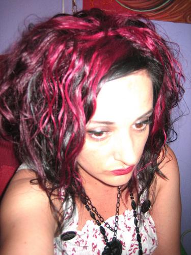 mepink3.jpg - 2a, Redhead, Brunette, Wavy hair, Medium hair styles, Readers, Female Hairstyle Picture