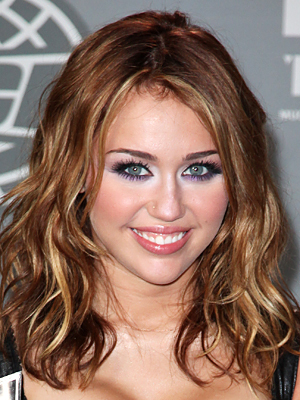 Miley Cyrus - Celebrities, Wavy hair, Medium hair styles, Bob hairstyles Hairstyle Picture