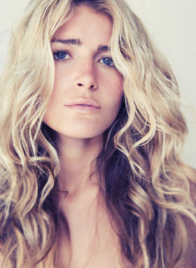 Bumble and bumble - Blonde, 2b, Wavy hair, Long hair styles, Styles, Female Hairstyle Picture