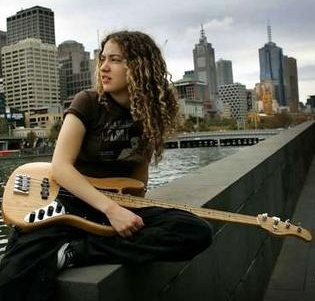 Tal Wilkenfeld, bass guitarist - Blonde, 3b, Celebrities, Long hair styles, Female, Curly hair, Adult hair Hairstyle Picture