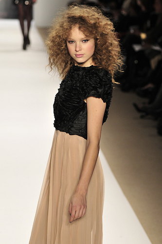 Tibi Fall 2010 - Courtesy of Run - Brunette, Blonde, 3b, 3a, Medium hair styles, Styles, Female, Curly hair, Adult hair, Prom hairstyles Hairstyle Picture