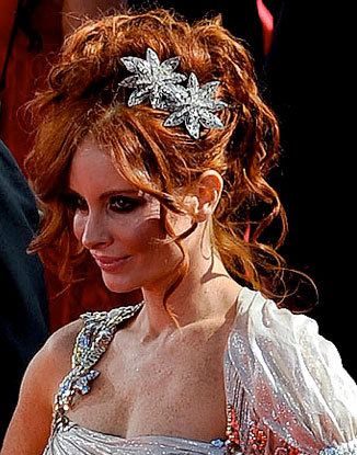 Phoebe Price - Redhead, Celebrities, Updos, Special occasion, Female, Curly hair, 2009 Emmy Awards Hairstyle Picture
