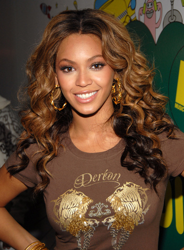 Beyonce - Brunette, Blonde, Celebrities, Kinky hair, Long hair styles, Female, Black hair, Spiral curls Hairstyle Picture