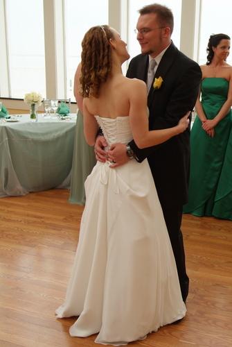 Bi_0204_2.jpg - Wedding hairstyles, Readers Hairstyle Picture