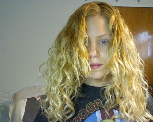 curls!! - Blonde, 3a, Medium hair styles, Long hair styles, Readers, Female, Curly hair, Adult hair Hairstyle Picture