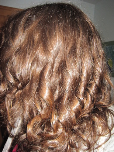 Too bad my hair only looks this  - Brunette, Wavy hair, Long hair styles, Readers, Female, Curly hair, Adult hair Hairstyle Picture