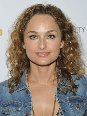 Giada curly - 3b, Celebrities, Medium hair styles, Female, Adult hair Hairstyle Picture