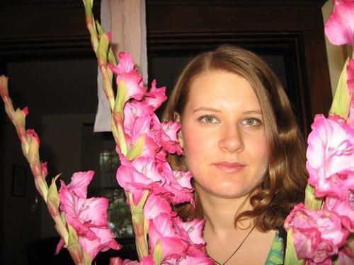 ringlets/flowers - Brunette, Blonde, 2b, Wavy hair, Medium hair styles, Summer hair, Readers, Female, 2c Hairstyle Picture