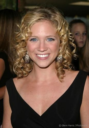 Brittany Snow - Blonde, 2b, 3a, Celebrities, Medium hair styles, Special occasion, Female, Curly hair Hairstyle Picture