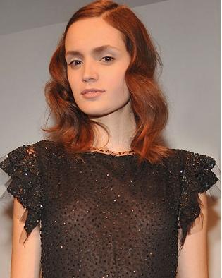 Fashion Week 09 - Imatree Collec - Redhead, 2b, Wavy hair, Medium hair styles, Female, Fashion Week, Fall 2009 Collections Hairstyle Picture
