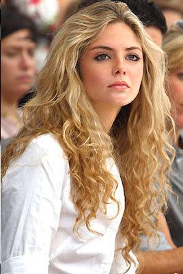 Tasmin Egerton - Blonde, Celebrities, Wavy hair, Long hair styles, Female, 2c Hairstyle Picture