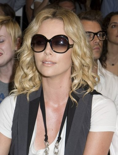 Charlize Theron - 2a, Blonde, 2b, Celebrities, Wavy hair, Medium hair styles, Female Hairstyle Picture