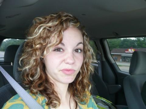 Highlights in curly hair - Blonde, 3a, Medium hair styles, Readers, Curly hair, Teen hair Hairstyle Picture