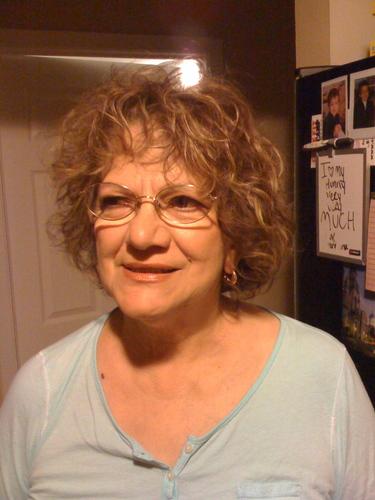 My mother rocks - Brunette, 2b, Wavy hair, Mature hair, Short hair styles, Summer hair, Spring hair, Fall hair, Winter hair, Readers, 2c Hairstyle Picture