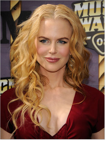 Nicole Kidman - Blonde, Celebrities, Long hair styles, Female, Curly hair, Layered hairstyles Hairstyle Picture