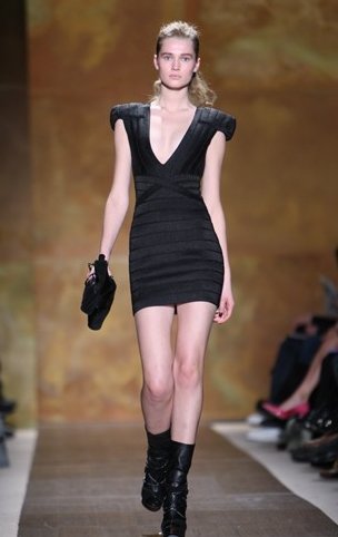 Fashion Week 09 - Herve Leger Co - Blonde, Wavy hair, Medium hair styles, Updos, Female, Curly hair, 2c, Fashion Week, Fall 2009 Collections Hairstyle Picture