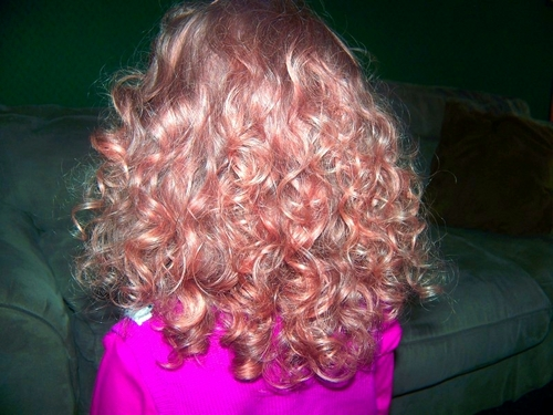 Back of Lilli's hair - Blonde, 3b, Medium hair styles, Kids hair, Readers, Curly hair Hairstyle Picture