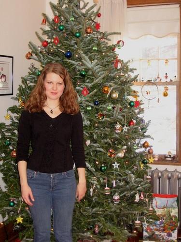 Christmas - long waves - Brunette, Wavy hair, Medium hair styles, Readers, Female, Curly hair, 2c Hairstyle Picture