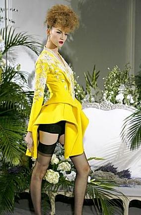Paris Fashion Week 2009 - Blonde, 3b, 3c, Updos, Styles, Female Hairstyle Picture