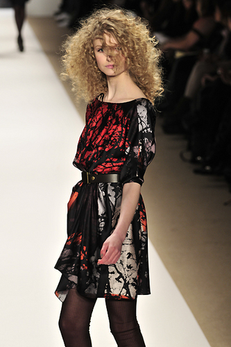 Tibi Fall 2010 - Courtesy of Run - Blonde, 3b, 3a, Long hair styles, Styles, Female, Curly hair, Adult hair Hairstyle Picture