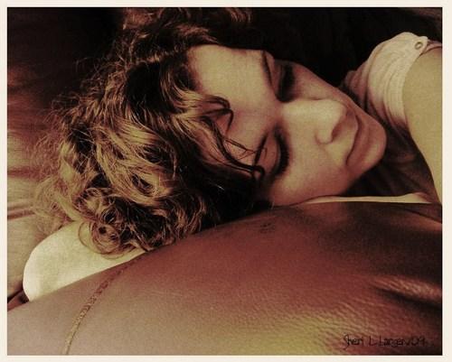 Artist Sheri L Larsen - Brunette, 3a, Wavy hair, Short hair styles, Readers, Female, Curly hair, 2c Hairstyle Picture